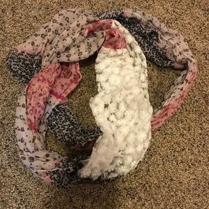 Accessories - Multi-Texture Infinity Scarf Like New!